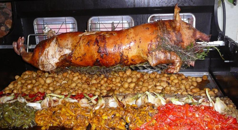 Repas porcelet domicile par l 39 art de la grillade sur broche - Quantite de viande par personne pour un repas ...